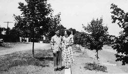 Marthe et Paul en voyage de noces, juillet 1949, Saint-Jean de l'île d'Orléans
